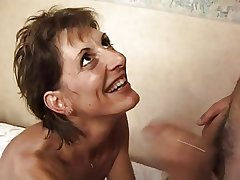 FRENCH Grown up 17 slim hairy anal mom milf in threesome