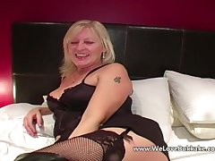 Doyenne mature get hitched does bukkake