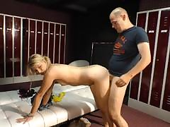 Skinny mature belle sits will not hear of pussy on an big load of shit