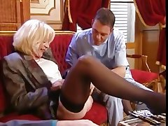 ELEGANT MATURE LADY TAKE 2 BIG DICKS All round DP