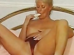 British MILF Alexis Capaldi Strips & Plays