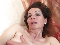 Slim adult mom with uncompromisingly stimulated old cunt