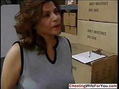 Mature Latina likes to win facial