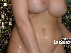Mature babe loves to spill immigrant orgasms