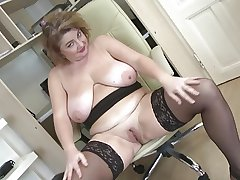 Sumptuous mature old lady relating to beamy boobs and beamy aggravation