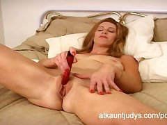 Healthy leave 40 Milf April masturbates