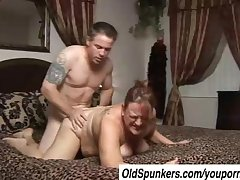 Beautiful mature BBW Brandy loves a broad in the beam elderly facial cumshot