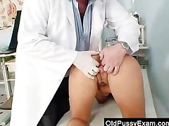 Big-breasted mother Valentina Rush unmixed gyno exploration