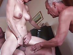 Clumsy of age cuckold threesome
