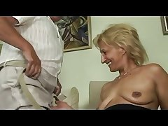 Blonde mature masturbates and sucks and fucks less paterfamilias