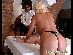 Crazy superannuated mom hard fuck sex
