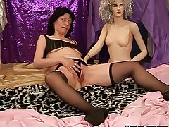 Mature dildo play nearly a doll