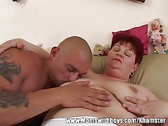 Horny Mature Lady Seduces A difficulty TV repair-Man