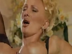 Italian Mature Aunty Fucking Very Hard With Young Mendicant