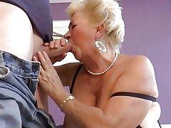 Hot Shorthair Curvy Granny Banging
