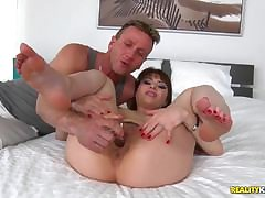 Fisting his wifes huge pussy while she workouts