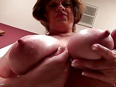 Prexy innocent American grown-up mother with thirsty vagina