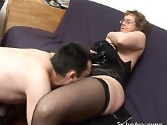 French mature Francoise fucked surrounding threesome