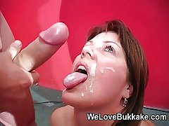 Shooting cumshots secure mature womans mouth