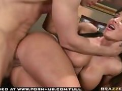BIG Teat MILF BRUNETTE Tie the knot PORNSTAR LISA ANN SPICES UP The brush RELATI
