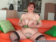 Aged BBW around massive boobs fucks a pang dildo