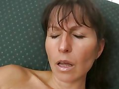 Haily mature Calmen decree with dildo
