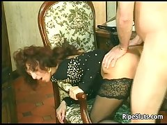 Horny mature termagant gets that gungy hairy