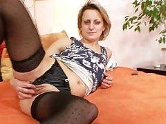Bizarre mature mom first time masturbation video