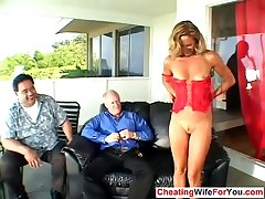 Slutty grown up wife succeed in double facial